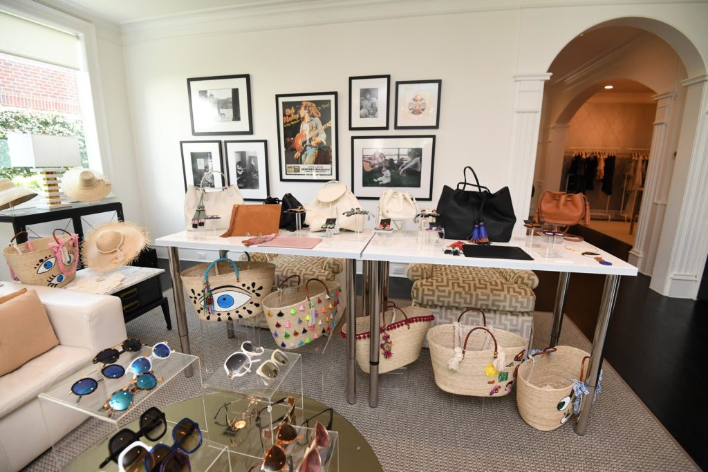 CooperativaShop at intwo and Smith opticians, leather and straw bags